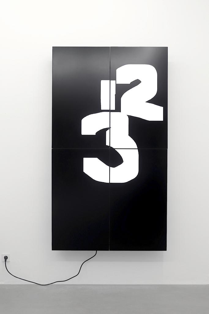 Triple Oleksiy Koval, 2021 204 x 116 cm, Full HD Digital Art Space, Munich